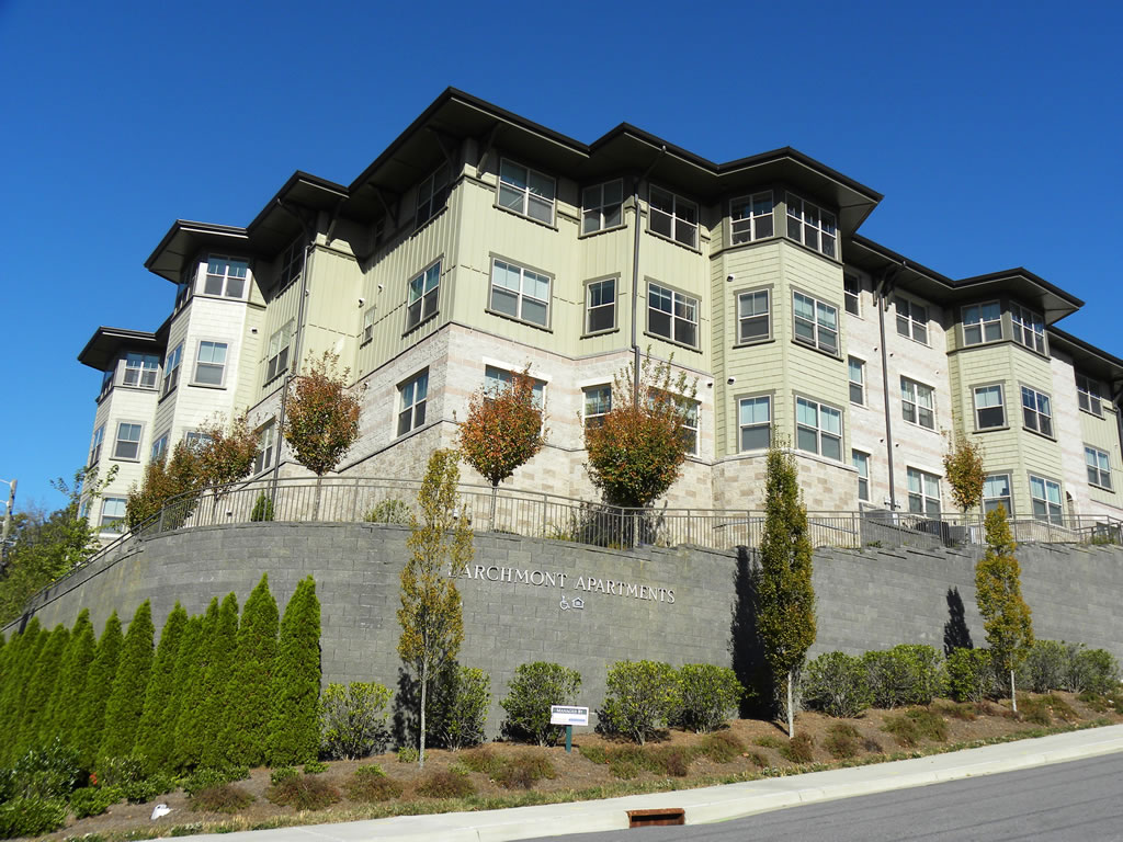 Larchmont Apartments